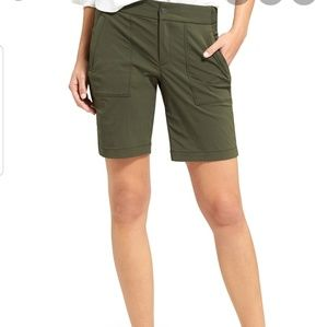Athleta Trekkie Bermuda shorts 4